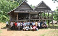 Muang Pieng & Muang Hongsa mahouts after a 3 days workshop on the management of mahout associations